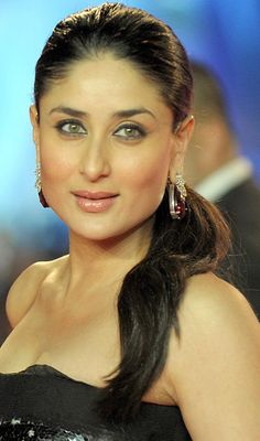 Kareena Kapoor Bollywood Eye makeup - Pictures of Actresses Eyes - Tips, Eye Color - , Bollywood Fashion, Bollywood Actress, Bollywood News, Bollywood Makeup, Bollywood Stars, Most Beautiful Indian Actress, Beautiful Actresses, Karena Kapoor, Glamour World
