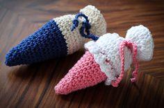 Anleitung zum Häkeln: Amigurumi-Anleitung für süße Amigurumi-Schultüten als kleine Geschenke zur Einschulung. Füllbar. (http://magazin.sofatutor.com/eltern) amigurumi crochet