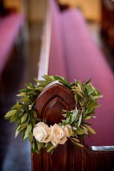 wedding flower decorations on a budget in the church wedding decorations Church Wedding Flowers, Wedding Pews, Chapel Wedding, Wedding Chairs, Wedding Pew Decorations, Wedding Centerpieces, Church Decorations, Tall Centerpiece, Deco Floral