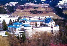 Hotel Schloss Mittersill Winterurlaub in Österreich Kitzbüheler Alpen Salzburg Austria, Beautiful Wedding Venues, Das Hotel, Most Beautiful, Mansions, House Styles, Winter Vacations, Forts, Honeymoons