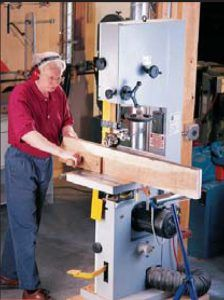 Bandsaw Resawing Bandsaw Resawing Cut logs into lumber, make thin boards from thick and cut your own Woodworking Bandsaw, Woodworking Courses, Woodworking Techniques, Popular Woodworking, Carpentry Projects, Woodworking Magazine, Firewood, Wood Crafts, I Shop