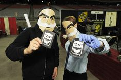 Mr. Robot's Elliot Alderson and Tyrell Wellick