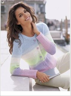 drops pullover in vivaldi free Crochet Blouse, Knit Crochet, Ropa Color Pastel, Knit Fashion, Fashion Outfits, Summer Knitting, Knitting Magazine, Cardigan Pattern, Knitting Accessories