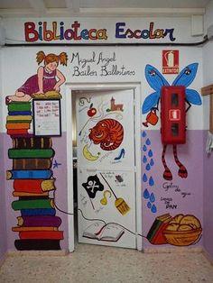 decoración de puertas de bibliotecas infantiles - Buscar con Google Classroom Bulletin Boards, Preschool Classroom, Art Classroom, Homework Box, School Projects, Projects To Try, Kids Library, School Decorations, Classroom Displays