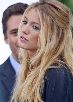 Messy half up, half down hairstyle on Blake Lively. on The Fashion Time  http://thefashiontime.com/four-timeless-graduation-hairstyles-special-day/#sg12