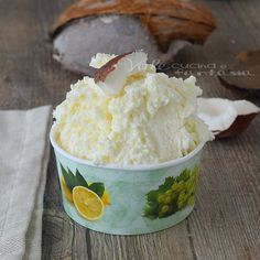 Vale Cucina e Fantasia Homemade Coconut Ice Cream, Homemade Sorbet, Easy Ice Cream Recipe, Ice Cream Recipes, Gelato Homemade, Ice Cream Desserts, Frozen Desserts, Love And Gelato, Coconut Sorbet