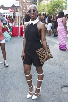 round sunglasses, leopard print bag, white heels, black and white outfit, accessories, cute, black women inspiration