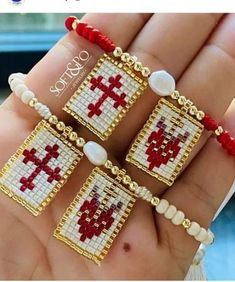 Beaded Bracelet Patterns, Beaded Earrings, Beaded Bracelets, Jaime Garcia, Burlap Flowers, Earring Tutorial, Brick Stitch, Diy And Crafts, Jewerly