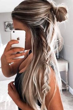 Excellent Easy hairstyles for long hair are an important part of our beauty routine on Valentine's Day. These easy hairstyles are a real deal. The post Easy hairstyles for long hair are an impo . Easy Hairstyles For Long Hair, Pretty Hairstyles, Hairstyle Ideas, Girly Hairstyles, Latest Hairstyles, Long Haircuts, Side Braids For Long Hair, Five Minute Hairstyles, Straight Haircuts