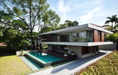 Singapore Residence by Architects Maria Arango and Diego Molina of ONG