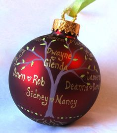Christmas Ornaments Pics) Cute hand painted ornaments with family tree Christmas Ornaments To Make, Noel Christmas, Christmas Balls, Homemade Christmas, Christmas Projects, Winter Christmas, Holiday Crafts, Thanksgiving Holiday, Diy Ornaments