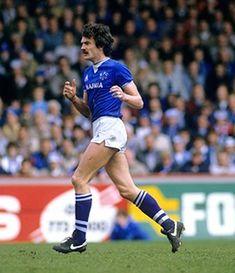 Derek Mountfield of Everton in Retro Football, Football Cards, Football Players, Everton Fc, Soccer, Running, 1980s, Tips, Sports