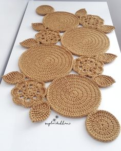 48 Trendy Crochet Table Runner Christmas Doily Patterns Knitting PatternsKnitting For KidsCrochet Hair StylesCrochet Ideas Crochet Tablecloth Pattern, Crochet Motifs, Crochet Doilies, Diy Crafts Crochet, Crochet Home Decor, Doily Patterns, Crochet Patterns, Crochet Ideas, Knit Rug
