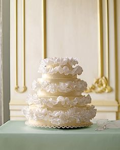 Romantic Ruffles cake // looks like sweet peas