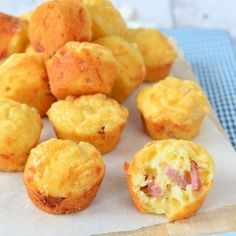 Simple, but so delicious! That is what these bacon cheese mini muffins pe . - Simple, but so delicious! That describes these bacon cheese mini muffins perfectly. A quick snack t - # Mini Muffins, Bacon Muffins, Cheese Muffins, Tea Snacks, Snacks Für Party, Tapas, Cupcakes, Finger Foods, Love Food