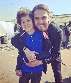 "Aras Bulut Iynemli &quot (@arasbulutx) on Instagram: ""Aras and little Sarp  اراس و بازيگر بچگي سارپ . Admin original…"""