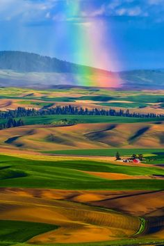 Rainbow Over The Palouse By Michael Brandt . Here you relax with these backyard landscaping ideas and landscape design. Cool Pictures, Cool Photos, Beautiful Pictures, All Nature, Amazing Nature, Beautiful World, Beautiful Places, Amazing Places, Over The Rainbow