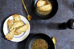 Bondemad: Fransk Løgsuppe med gratineret brød