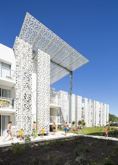Hotel Residencial Nakâra / Jacques Ferrier Architecture