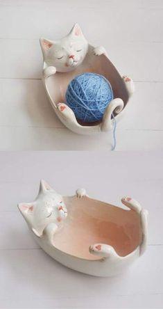New knitting yarn bowl gifts Ideas - Dıy – Einfache Bastelideen Ceramic Bowls, Ceramic Pottery, Ceramic Art, Cerámica Ideas, Yarn Bowl, Cat Crafts, Crochet Gifts, Cat Crochet, Free Crochet
