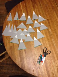 Mountain door decs & RA Campfire S\u0027more Door Decs for a guys floor | My RA Bulletin ... Pezcame.Com