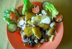 Húsos-gombás rakott krumpli Fruit Salad, Potato Salad, Potatoes, Ethnic Recipes, Food, Fruit Salads, Potato, Essen, Meals