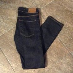 H&M denim jeans size 26/32 Pair of like new denim H&M slim leg jeans. Worn only a few times. Size 26/32. No trades. H&M Jeans Skinny