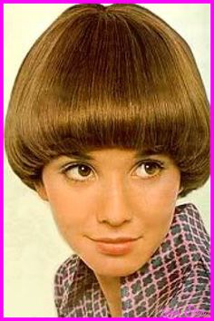 1970 Hairstyles 1975 Flicked Hair  19020 Remembered Asymmetrical  Pinterest  70S