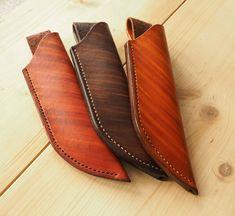 """Polubienia: 16, komentarze: 3 – Fabryka Rzeczy Fajnych (@frf.com.pl) na Instagramie: """"Our wooden-looking leather #knifesheaths again!  ♥️it or ignore it! #FRF #fabrykarzeczyfajnych…"""""""