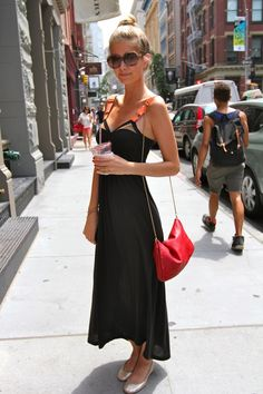 mathilde frachon in vpl Summer Holiday Outfits, Spring Summer Fashion, Skinny Love, Classy Casual, Stunning Dresses, Fashion Photo, Everyday Fashion, Fashion Dresses, Casual Dresses