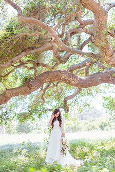 A comfortable and casual rustic wedding in all white in Santa Barbara | Jessica Fairchild Photography: http://jessicafairchild.com | Tyler Speier Events: http://www.tylerspeier.com