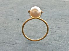 18 Karat Gold Pearl Ring Natural Cultured White door SunSanJewelry