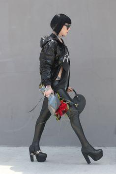 Kat Von Dee wearing a Samhain t-shirt Rock Chic, Punk Fashion, Fashion Models, King Shoes, Grunge, Vivienne Westwood, Kat Von D Tattoos, The Kat, Plus Size Fashionista