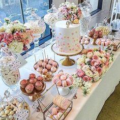 Elegant gold and pink birthday Buffet Dessert, Dessert Bars, Pink Dessert Tables, Gold Birthday Party, Pink Birthday, Candy Table, Candy Buffet, Wedding Desserts, Cookies Et Biscuits