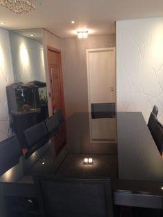 Mesa de jantar com tampo de vidro preto  Vidro preto  8 mm  canto moeda  Refinado!