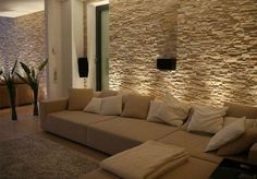Wohnzimmer mit Steinwand mit Beleuchtung: Living room with stone wall with lighting: Home Living Room, Living Room Designs, Living Room Decor, Stone Wall Living Room, Living Area, Home Fashion, New Homes, Interior Design, House Styles