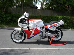 Yamaha FZR 1000 Exup   eBay