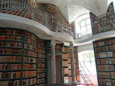 Our Lady of Einseldeln Archabbey Library (Suisse) : via HuffingtonPost 世界の美しい図書館