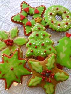 Sugar and Spice makes Christmas Nice! Glazed Gingerbread Cookies by Robin Traversy {The Cookie Faerie}.