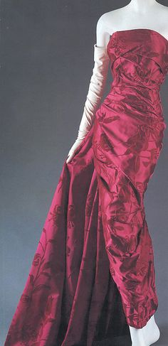 """Lys,""  House of Dior  (French, founded 1947) Designer:  Christian Dior (French, Granville 1905–1957 Montecatini),  Date:  fall/winter 1957–58,  Medium: silk"
