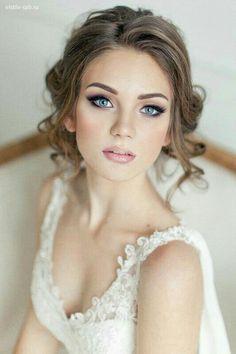 Simple et Tellement élégante pour le mariage civil..