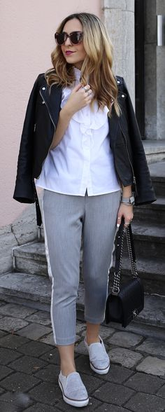 Minimalistic Blogger Outfit for Spring: Grey Track Pants, Frilled Blouse and Chanel Boy Bag in Caviar