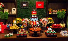 Festa Mickey Party!! Love the colors!!!
