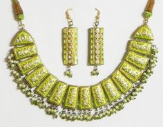 Light Green with Golden Meenakari Necklace Set (Lac, Beads and Stone))