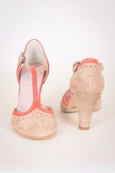 Die 347 besten Bilder von Chaussures à talon blanches   Heels, Shoes ... 7bcf3ae73fa8