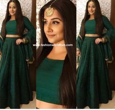 Vidya Balan attended  the  Pre wedding bash of Isha Ambani and Anand Piramal and she was seen in emerald green skirt paired with matching crop top and duppata by Aamir, Sahil & Shazmeen Couture and she has accessorized her jewellery look from Amarapalli jewellers. Straight hair and neutral makeup rounded her look.