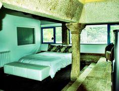A Cabana de Carmen - Alojamiento #turismorural #galicia #costadamorte Cabana, Outdoor Furniture, Outdoor Decor, Lounge, Couch, Bed, Home Decor, Chair, Airport Lounge