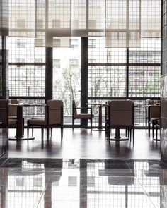 Le Meridien Seoul is a hotel designed by David Collins Studio in South Korea. David Collins, Outdoor Furniture Sets, Outdoor Decor, Chinese Style, The Locals, Seoul, The Past, Restaurant, Interior Design