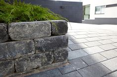 Muurit | Pihakivi Outdoor Living, Sidewalk, Yard, Gardens, Home, Ideas, Outdoor Life, Patio, Side Walkway