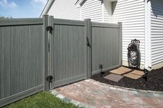 Bufftech Certagrain Chesterfield Arctic Blend Vinyl Privacy Fence - contemporary - Fencing - Other Metro - Vinyl Fence Vinyl Privacy Fence, Vinyl Fencing, Contemporary Fencing, Gates For Sale, Dog Friendly Garden, Home Fencing, Side Gates, Types Of Fences, Building A Fence
